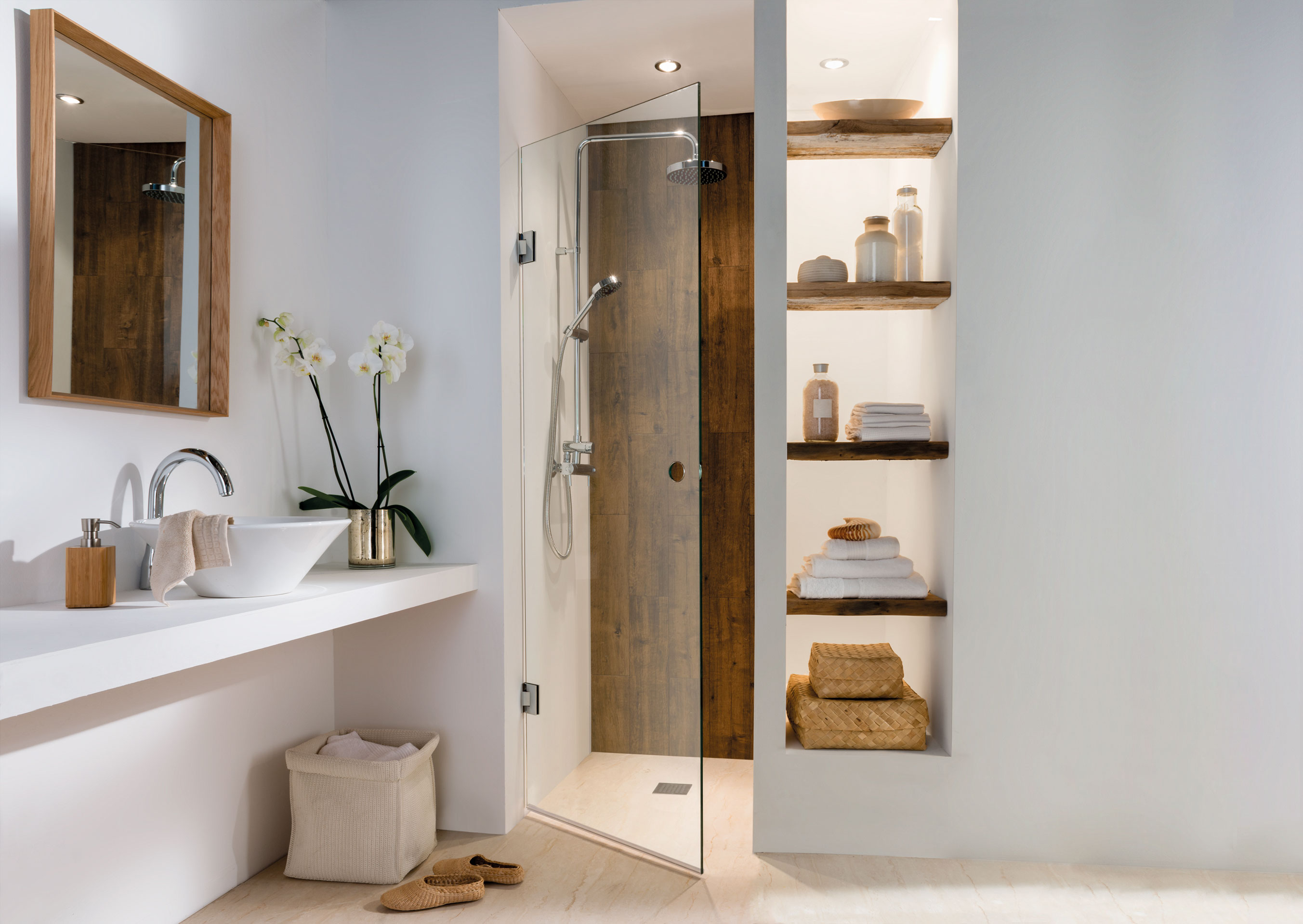 Alberto single door with 50mm polished hole
